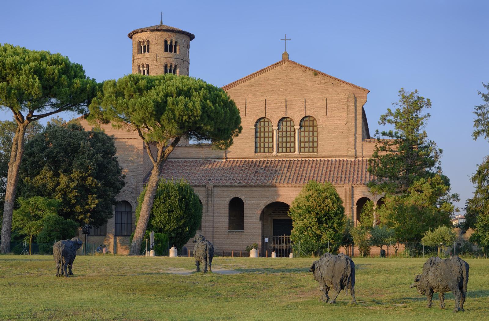 Le basilica di Sant'Apollinare in Cervia   Foto by Paolo dell'Angelo, via Flickr