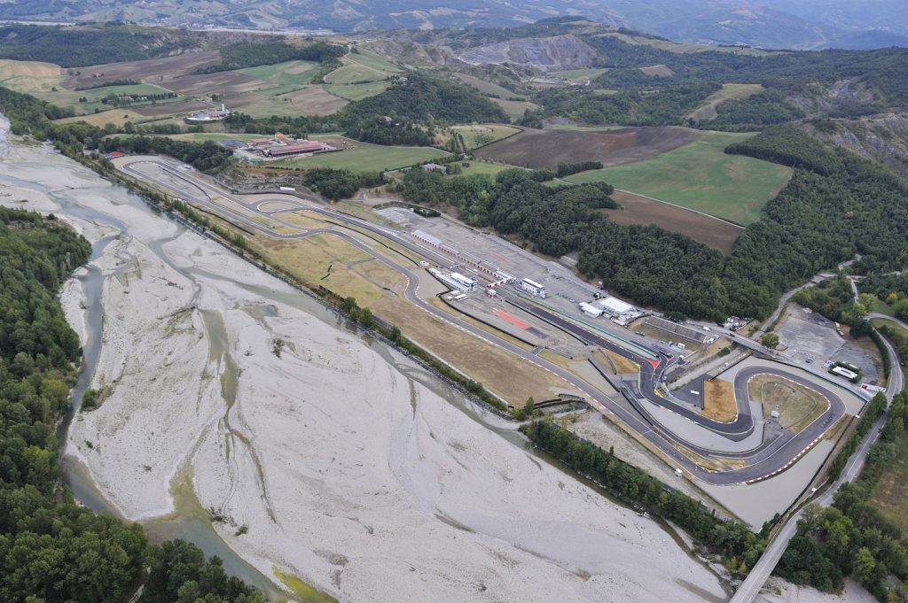 Circuito Varano De Melegari : Motorvalley presenta l autodromo riccardo paletti di