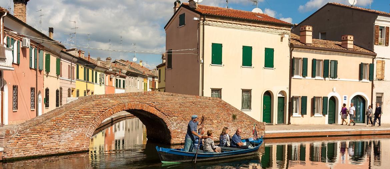 Canali di Comacchio | Foto di Roberto Fantinuoli, da Visit Ferrara)
