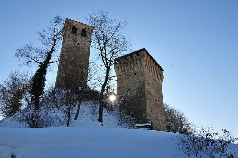 2° classificato Wiki Loves ViaEmilia Il_Castello_medioevale_di_Sarzano Lugarex