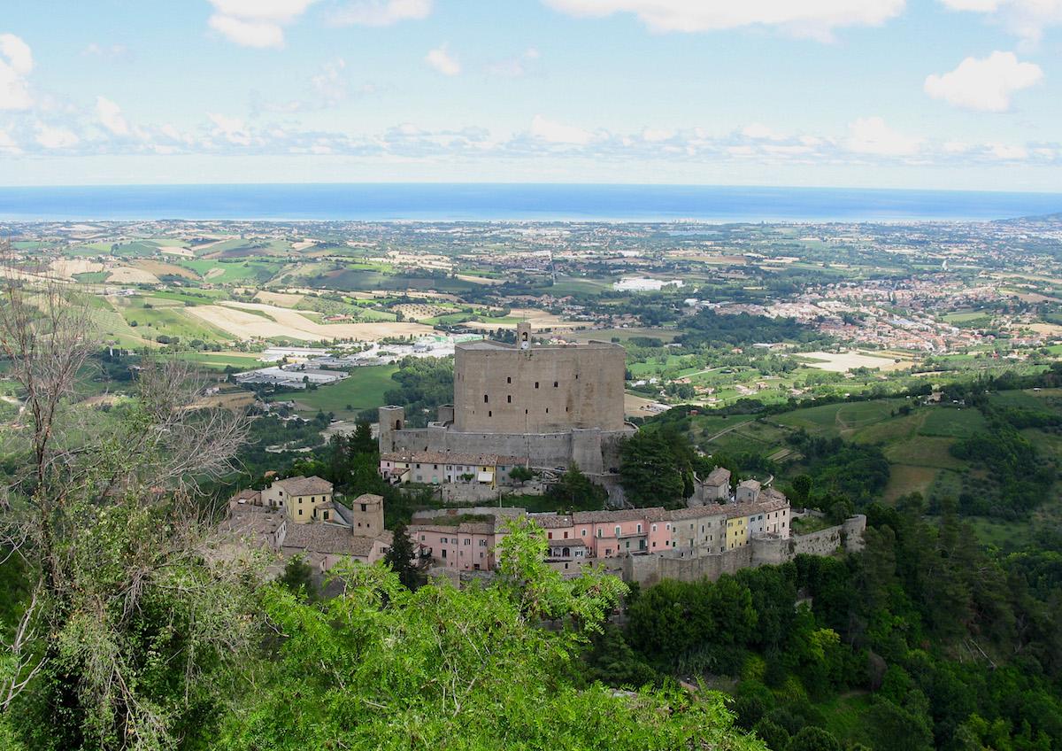 Montefiore Conca dall'alto | Foto © Tony Pecoraro, via Wikipedia