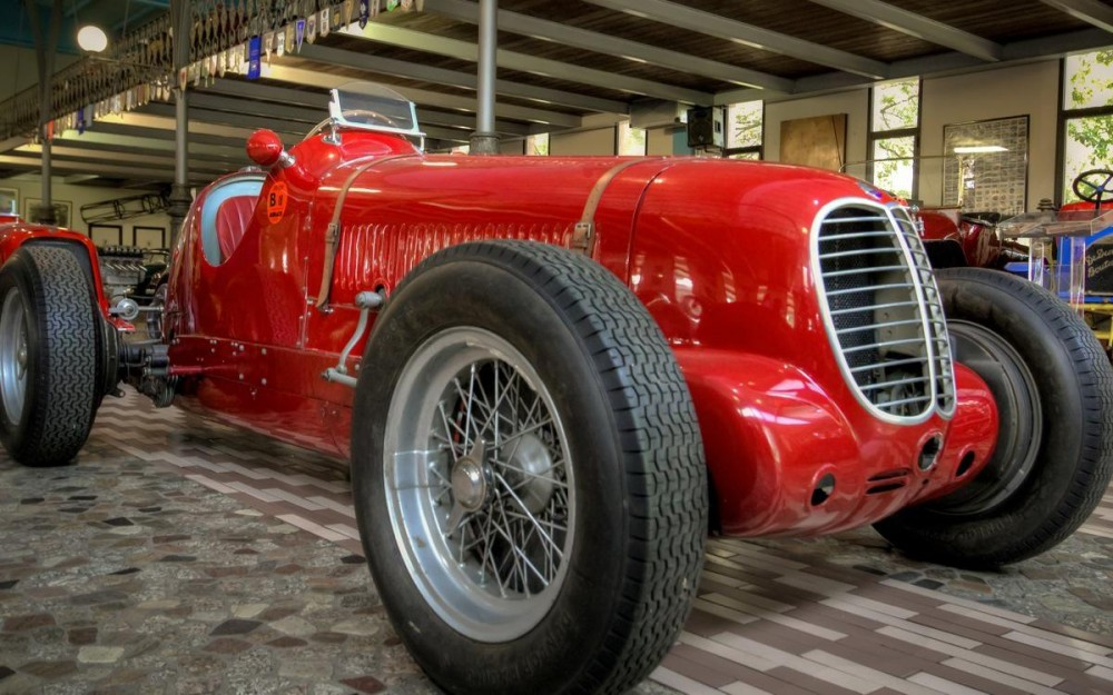 Panini-Museum-Maserati-Cars-Collection-2-1000x625