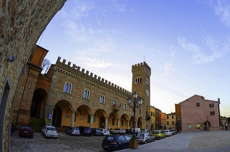 WikiLovesMonuments 2015 – Bertinoro (FC) Palazzo Comunale ph. stfmic