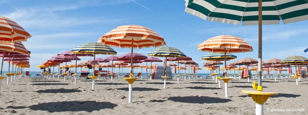 Ombrelloni sulla spiaggia Emilia Romagna