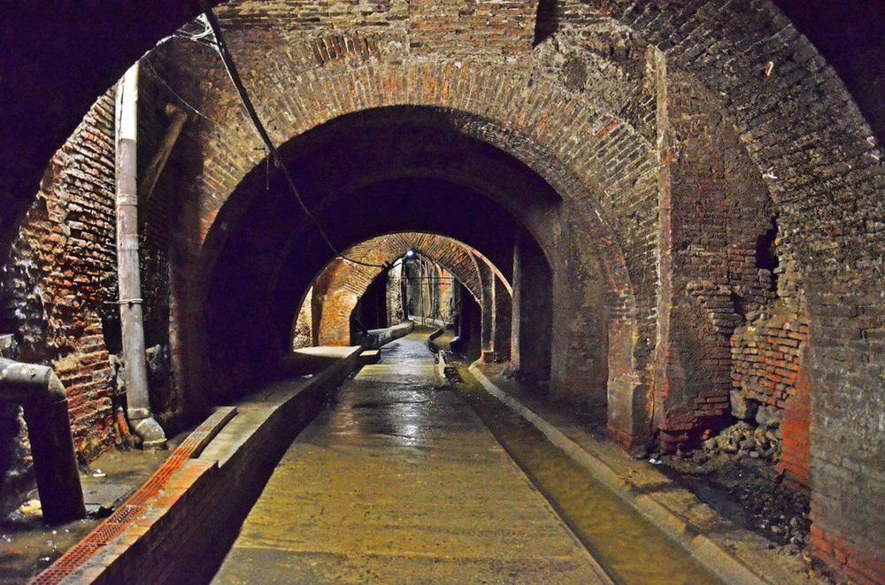 Nei sotterranei di Bologna - Il torrente Aposa | Foto © GianMarco Borgia via fotocommunity.it