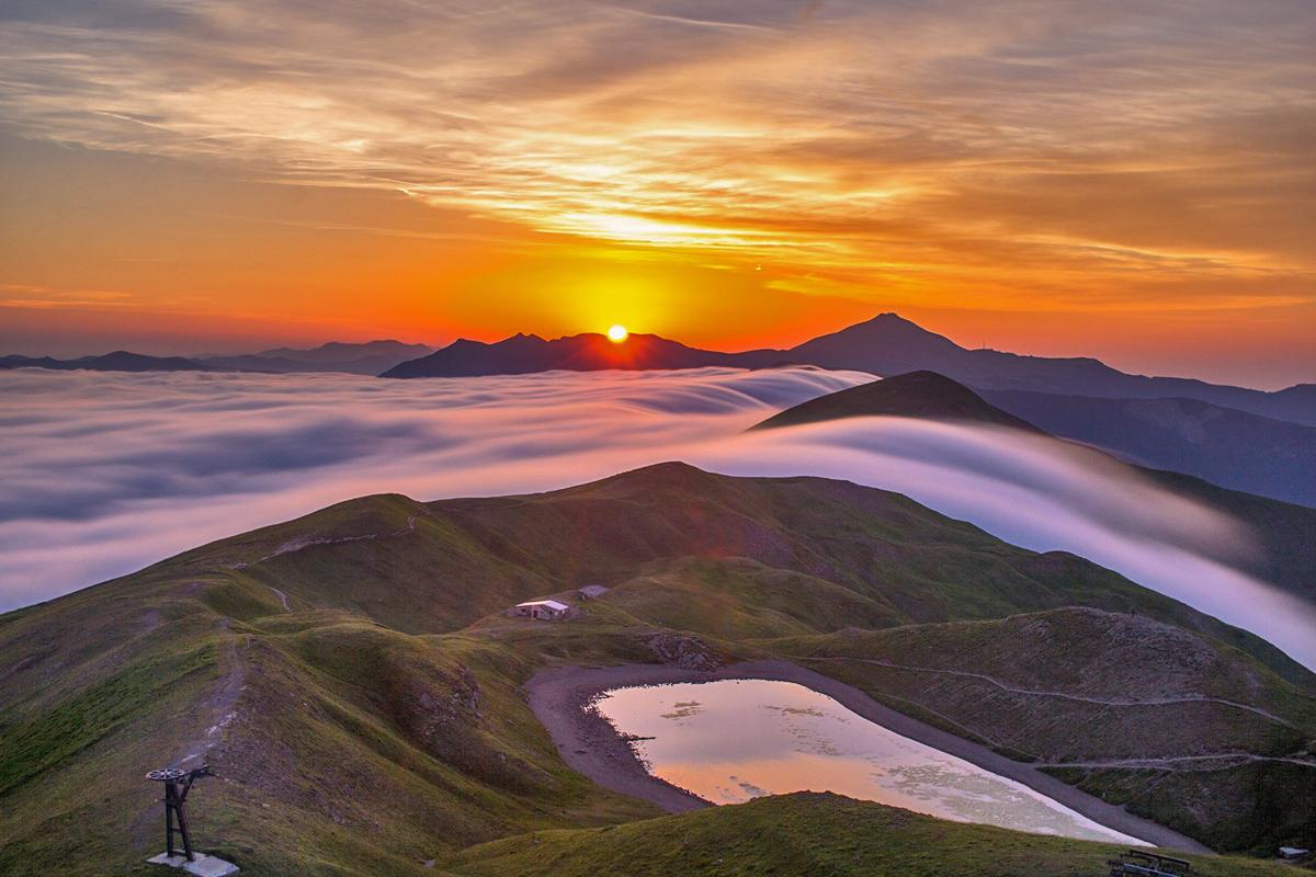 Tramonto sul Lago Scafaiolo | Foto © neveappennino.it