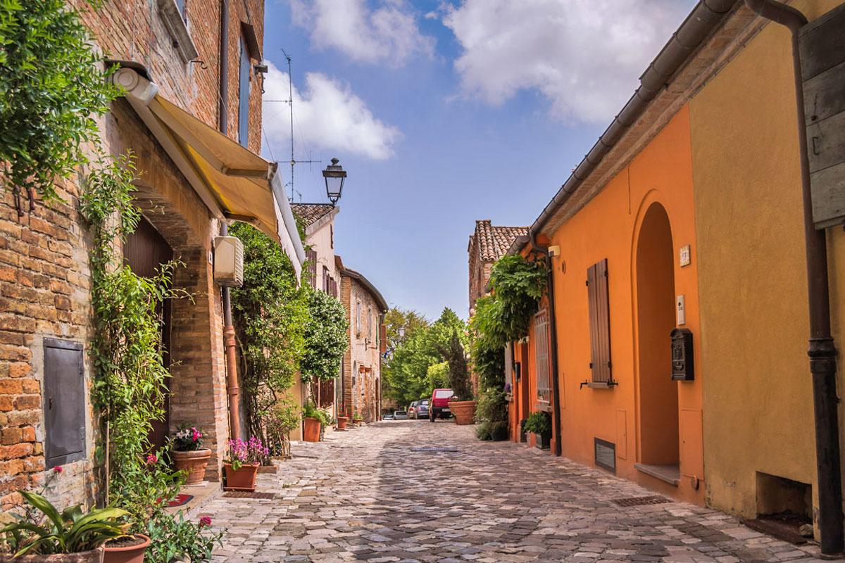 I vicoli di Santarcangelo di Romagna (Rimini)