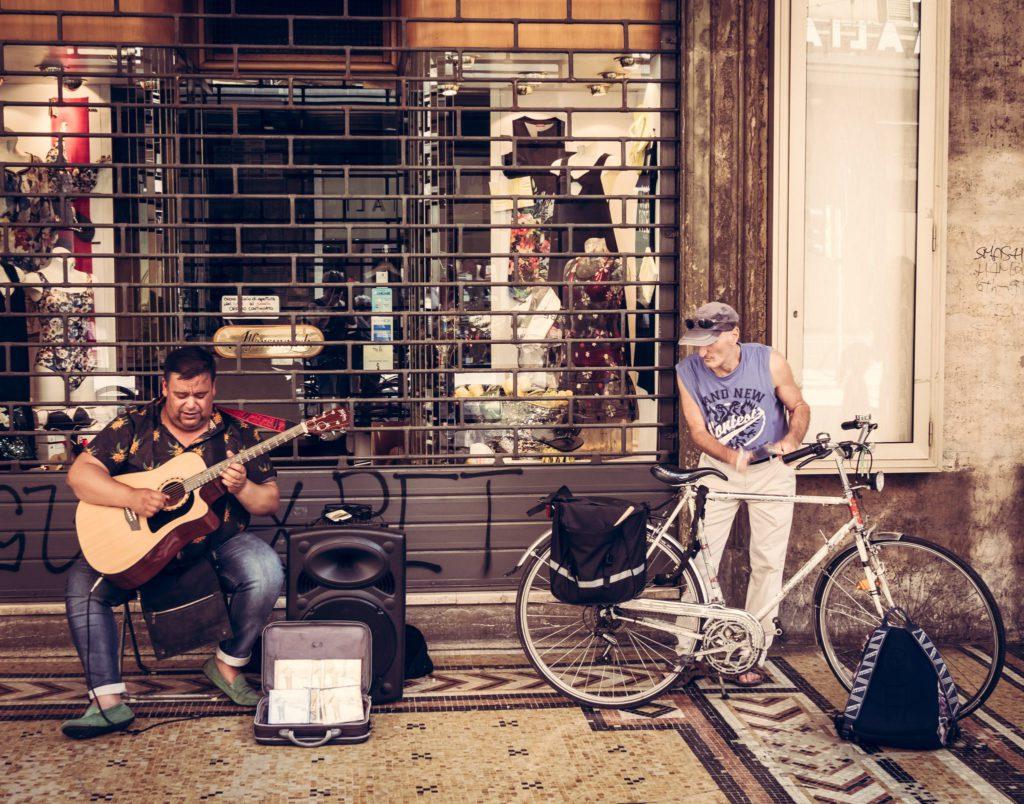 Bologna, Street Music ph FoodFunTravel