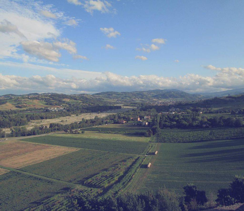 @rra.evolizione Panorama sull'Appennino Parmense da Torrechiara