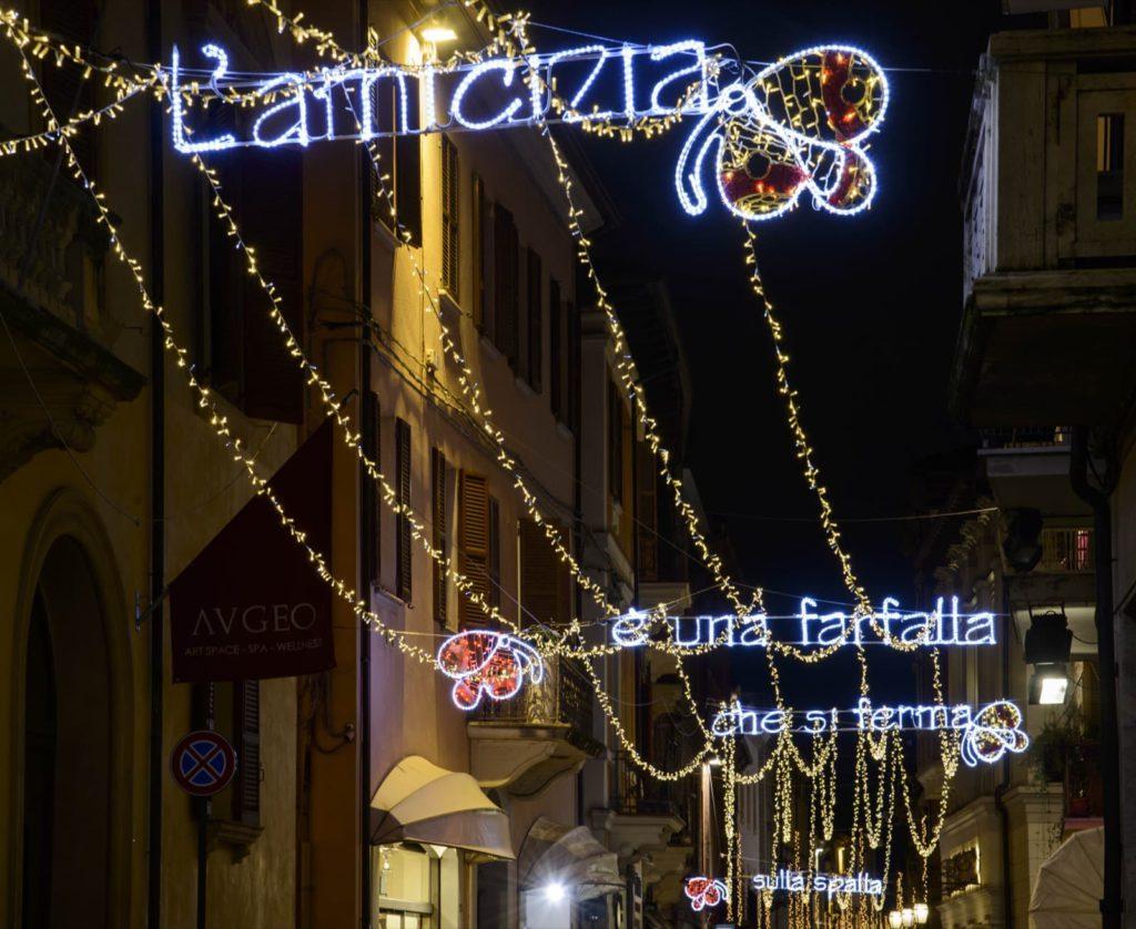 Rimini, luminarie Tonino Guerra