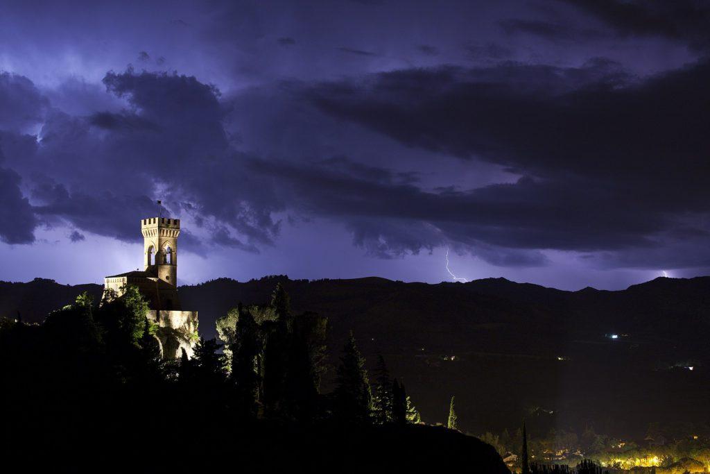 Brisighella, Torre dell'Orologio in mezzo alla tempesta, Ph. Umberto Paganini Paganelli