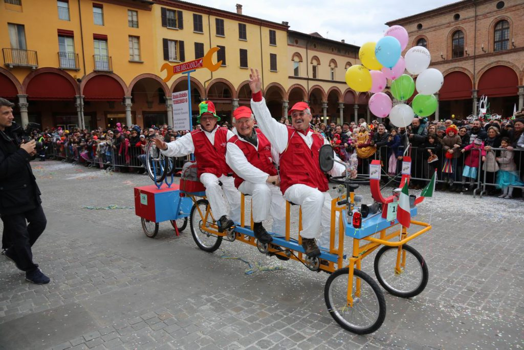 La bici multipla, i tre meccanici, Vittorio Tassoni