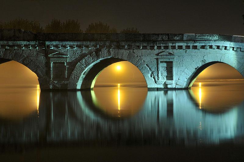 WLM 2015 #WikiLovesViaEmilia3° classificata – Rimini, Ponte di Tiberio, ph. Gianluca Moretti CC-BY-SA 3.0