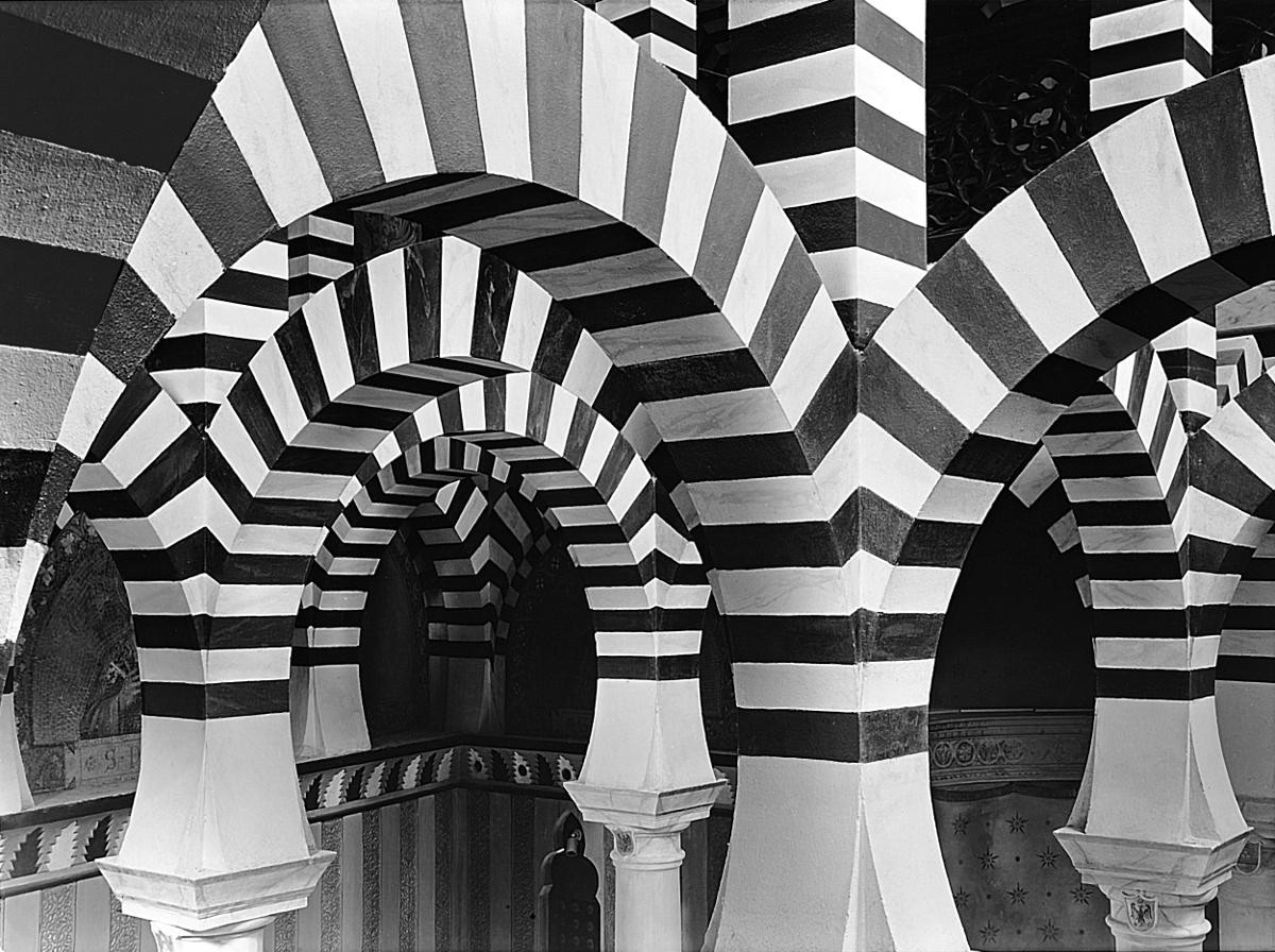 [MyEmiliaRomagna] Rocchetta Mattei in black/white