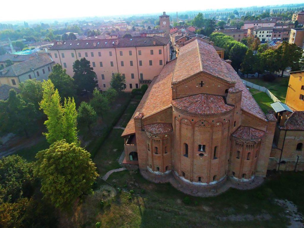 Abbazia di Nonantola, vista aerea, via Facebook