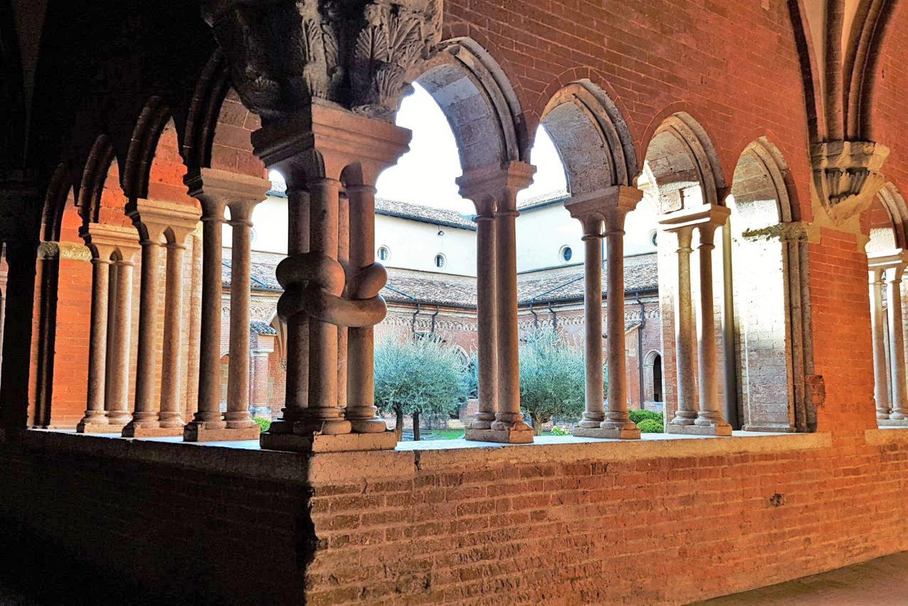 Abbazia di Chiaravalle della Colomba (PC), Chiostro