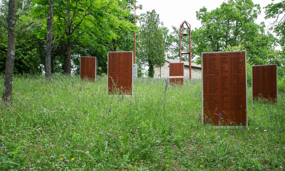Appennino Emiliano romanico, Oratorio di Beleo RE - Monumento ai caduti