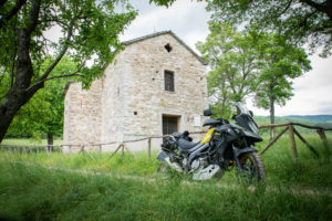 Tra pievi e abbazie nell'Appennino Emiliano: itinerario in moto