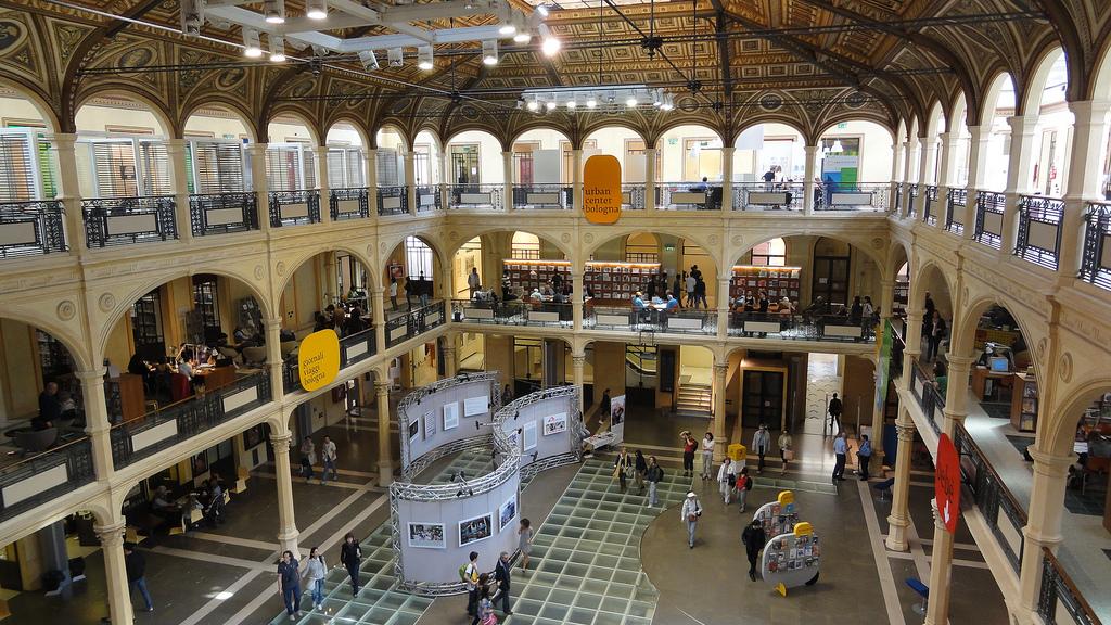 Biblioteca Salaborsa, Bologna | Ph. marco_pozzo via Flickr