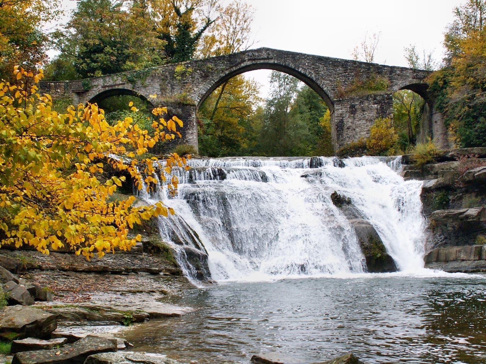 Bocconi, Brusia bridge Ph. Bandiere Arancioni