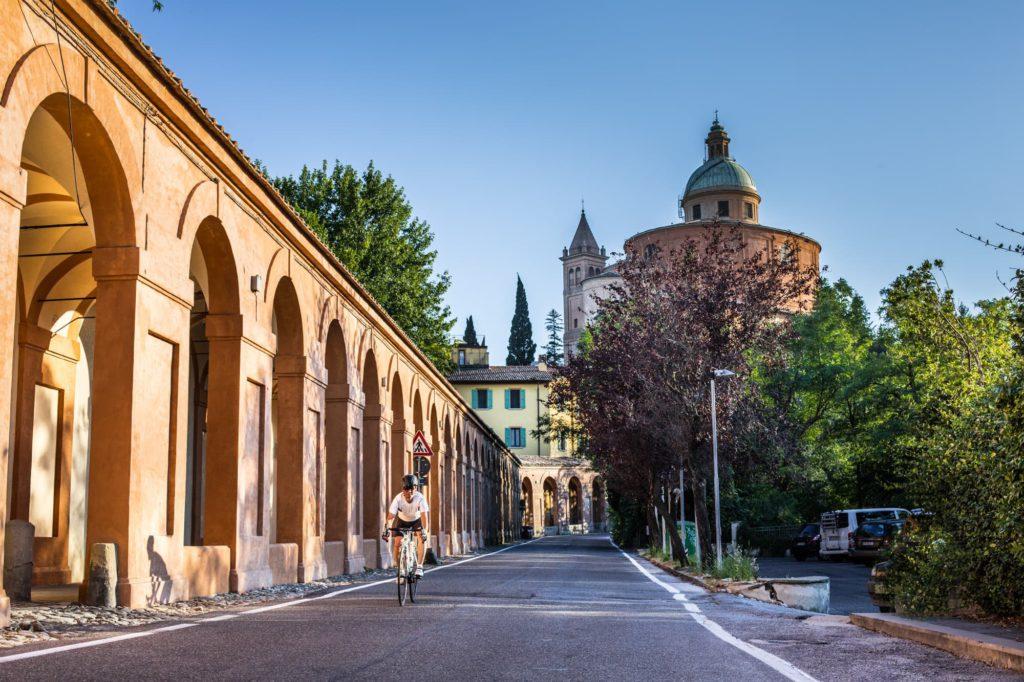 Bologna, portico di San Luca,archivio Bolognawelcome.com