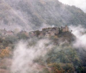 Brugnello: the village for your next weekend