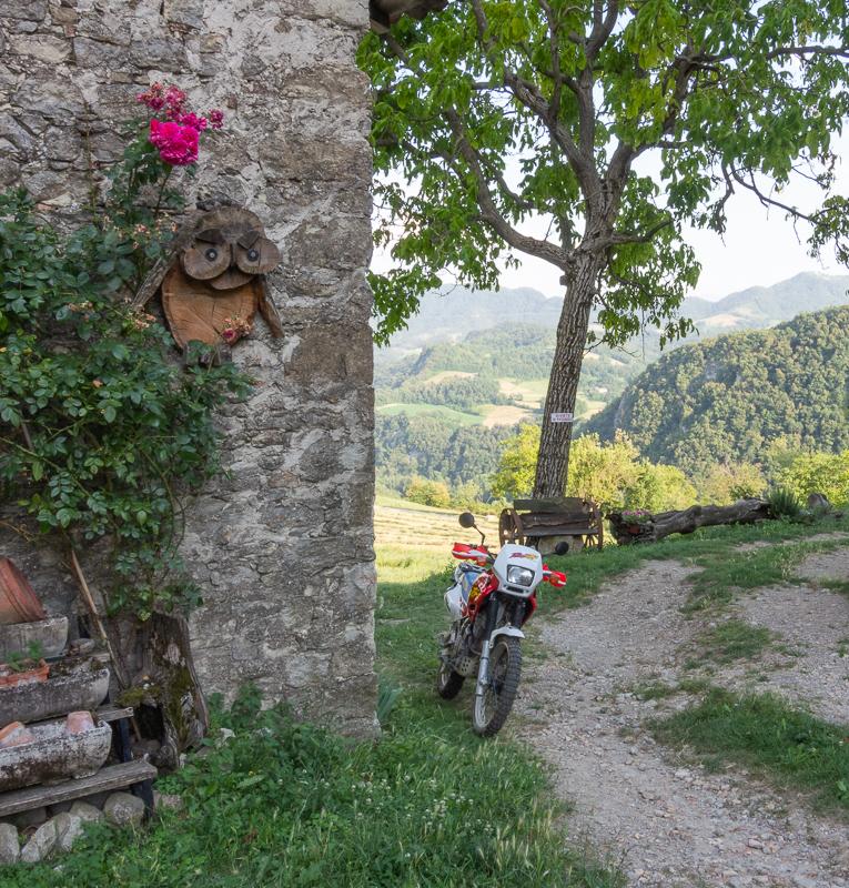 Strada sterrata che conduce a Onfiano.