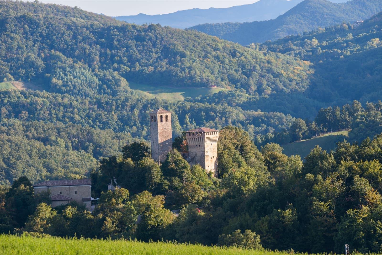 Casina, Castle of Sarzano | Ph. Lugarex