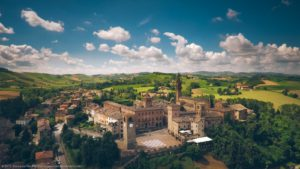 Castelvetro di Modena, tra torri e vigneti