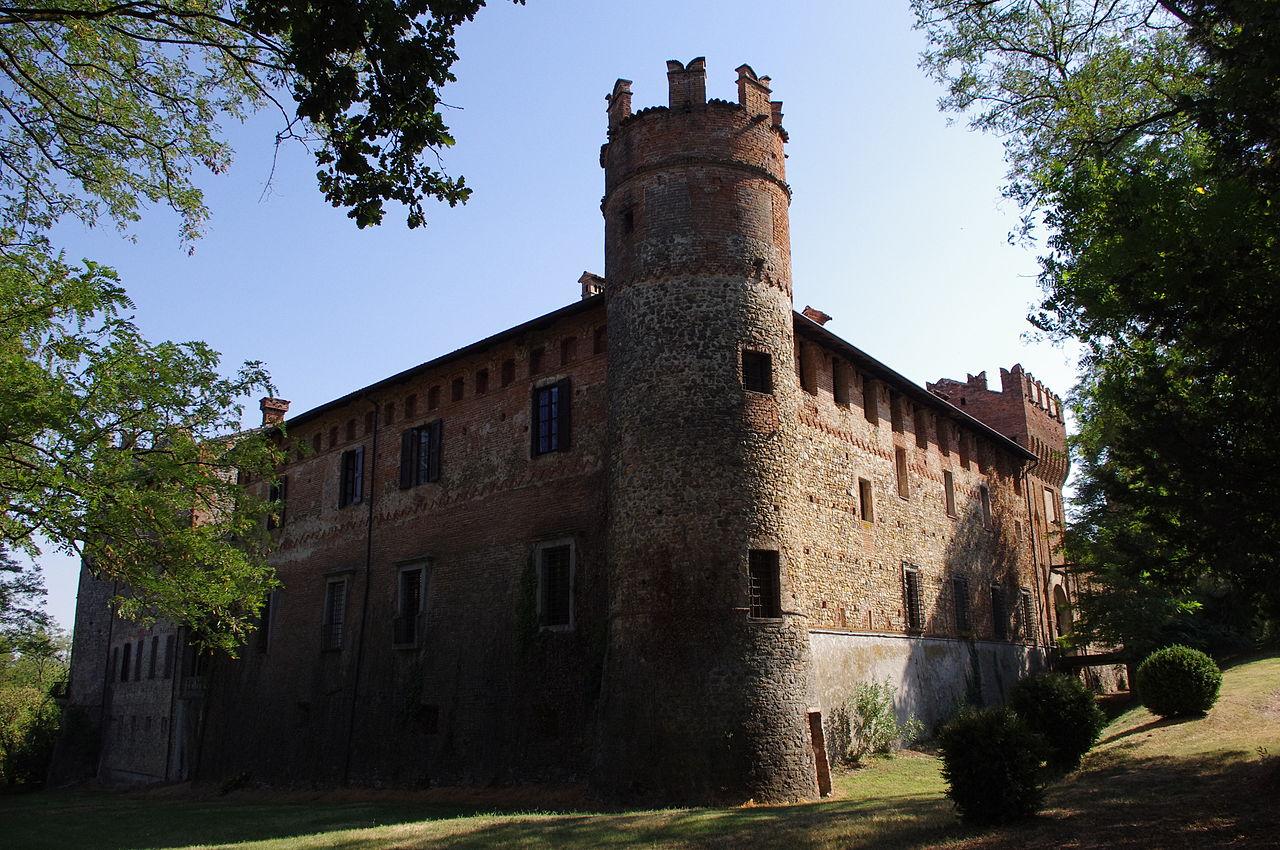 Piacenza, Castelnovo Val Tidone, Castle - Ph. Mario Bianchi via Wikipedia