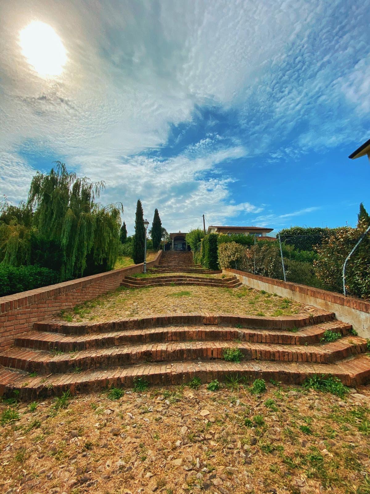 [Parlami di tER] La via delle scalette, volto laico e spirituale di Cesena
