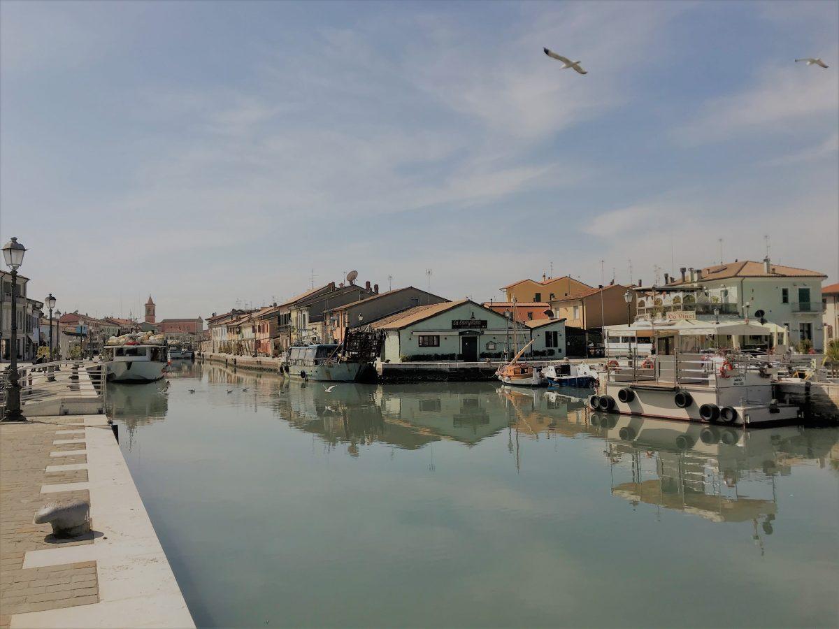 Cesenatico (FC), traghetto porto canale, Archivio Comune di Cesenatico, CC-BY-NC-SA 3.0