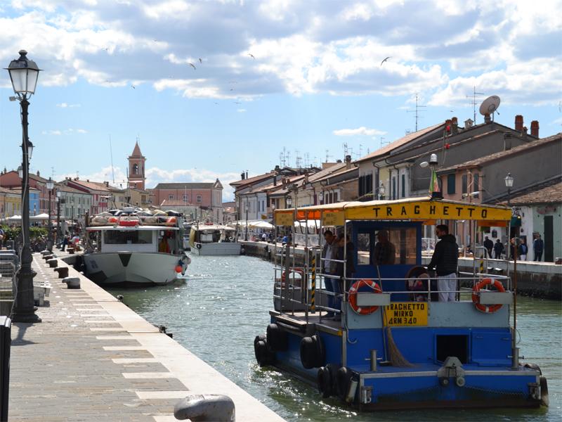 [Parlami di tER] Il Porto Canale di Cesenatico in traghetto: una piccola ed emozionante esperienza