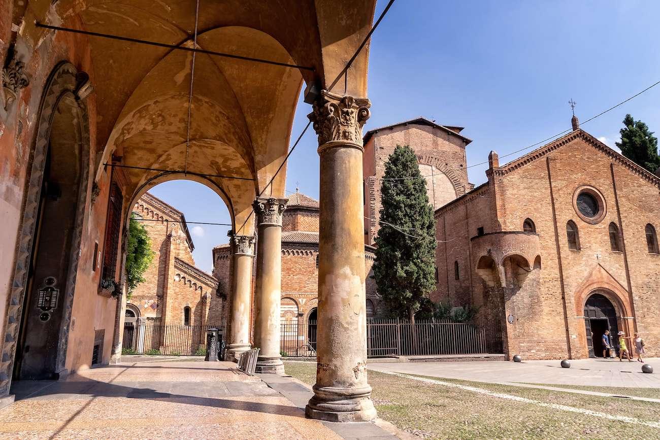 Bologna, Santo Stefano Square   Ph. Simon Falvo