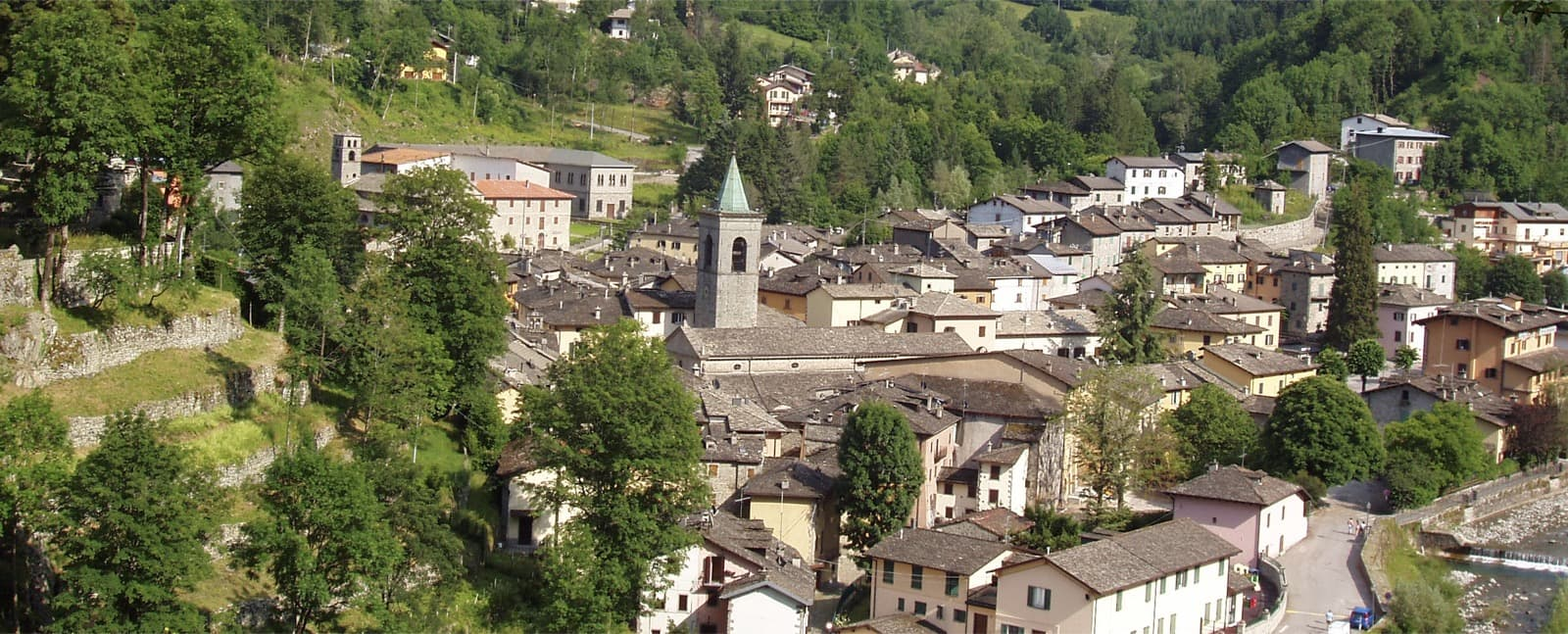 Fiumalbo: a stone gem at the foot of Mount Cimone