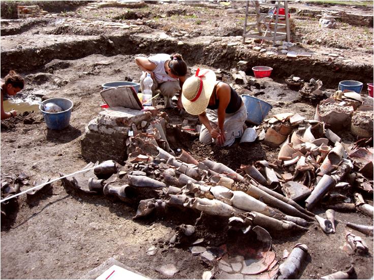 Foto 2 Lo scavo delle anfore