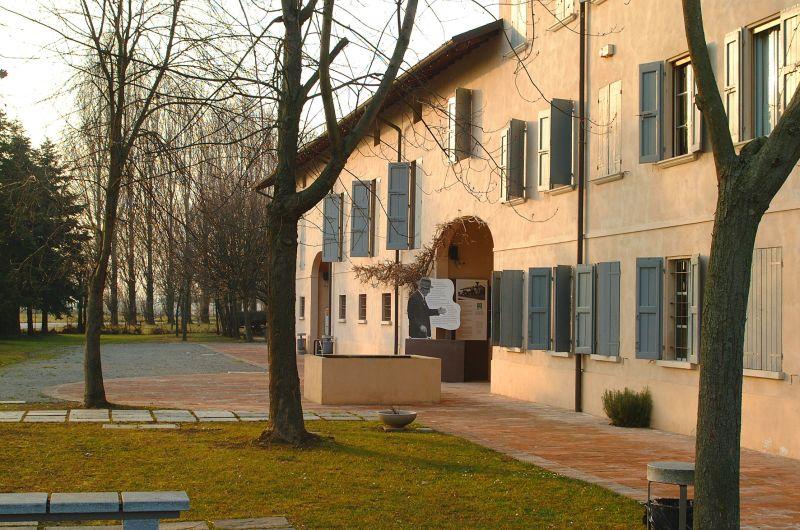 Gattatico (RE), Museo Cervi esterno, Archivio Comune di Reggio Emilia, ph. Istituto Cervi, CC-BY-NC-SA 3.0