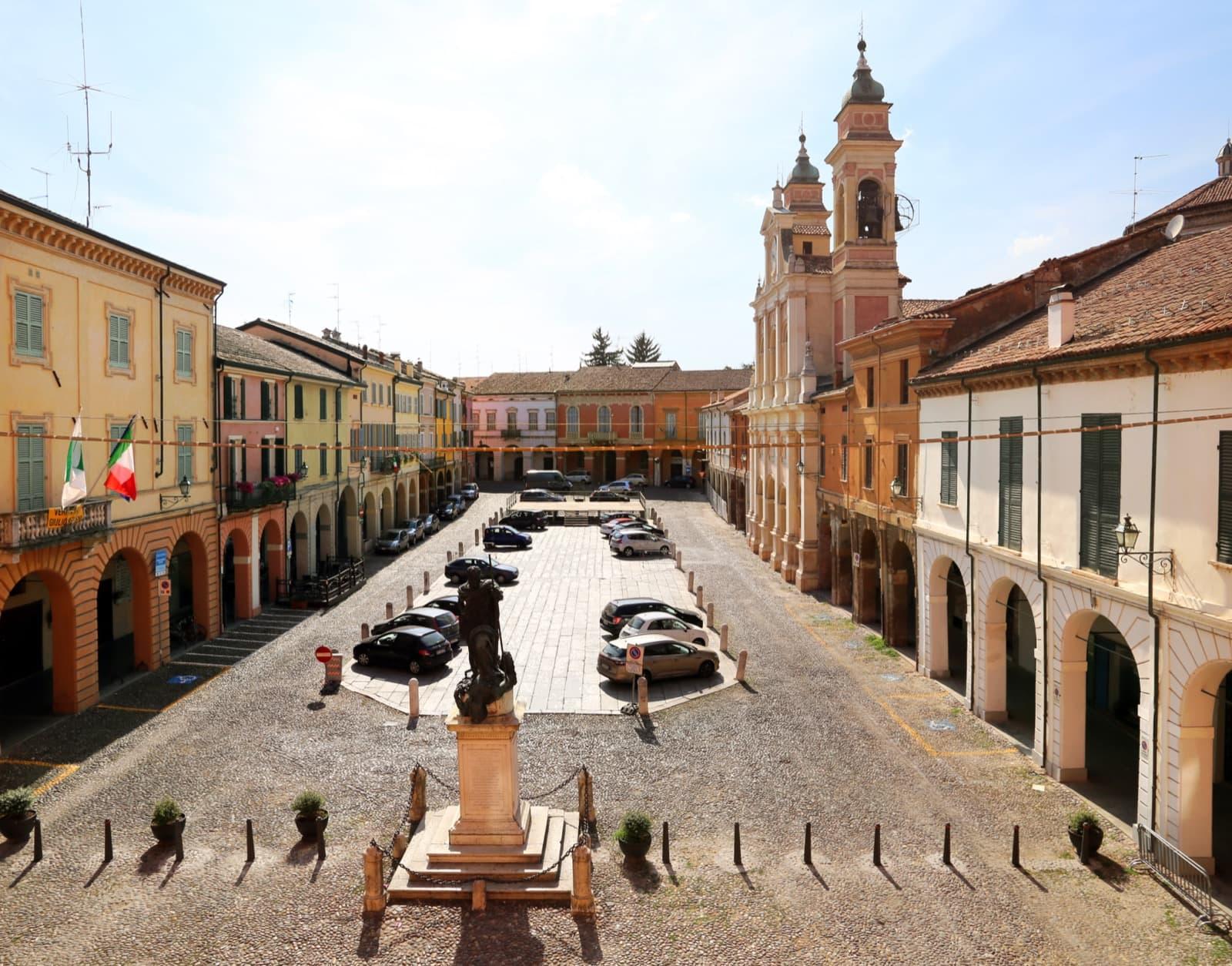 Guastalla, Piazza Mazzini Ph. Sailko