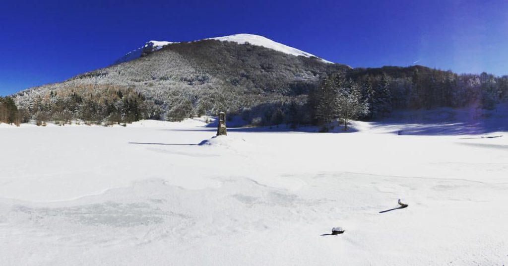 Monte Ventasso, lago ghiacciato Ph. @evolucciola