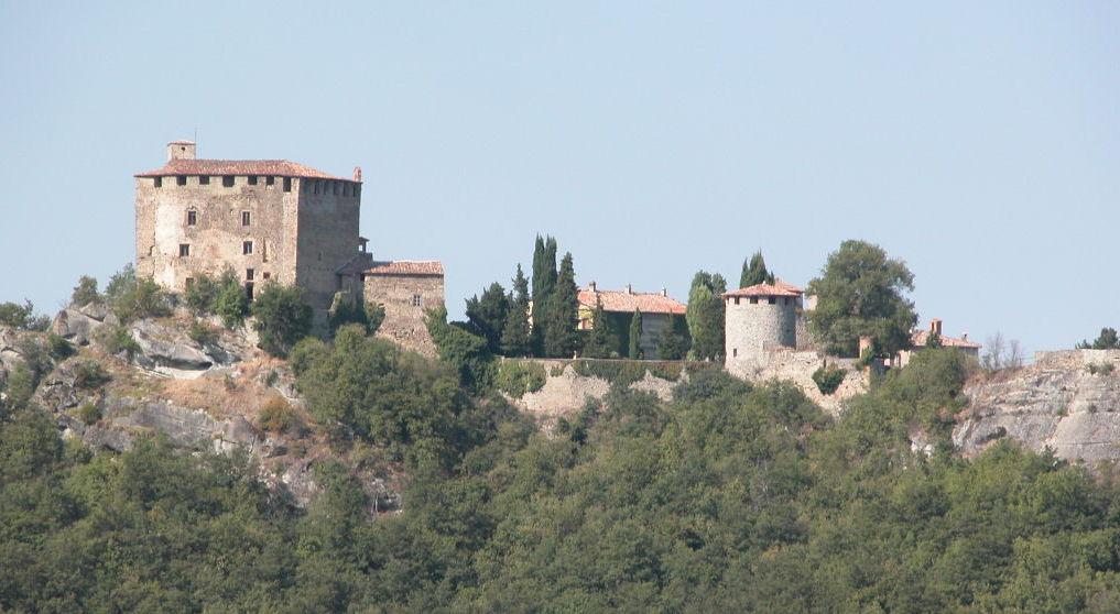 Piacenza, Pianello Val Tidone, Olgisio Fortress - Ph. Dani4P via Wikipedia