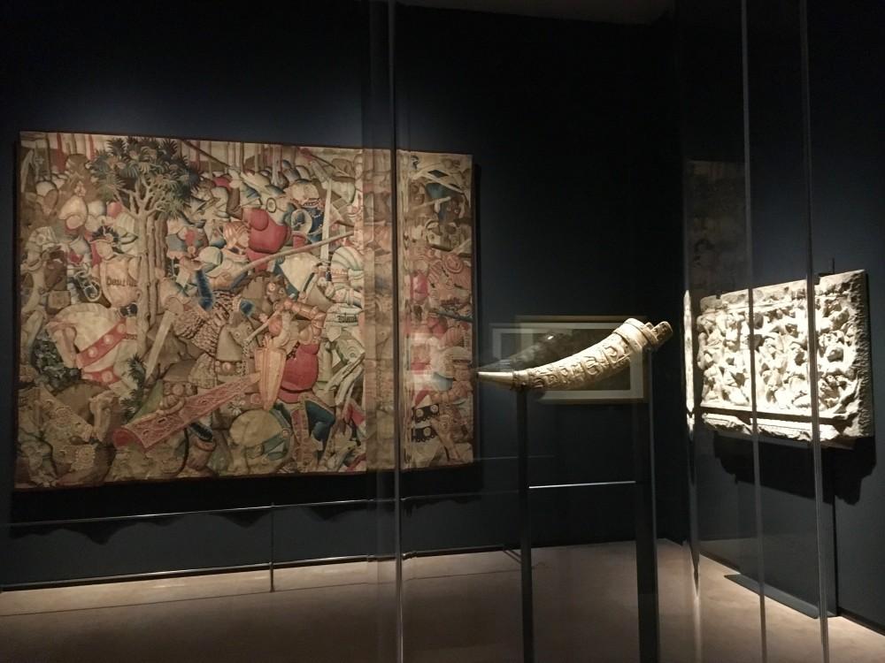 """Olifante detto """"Corno di Orlando"""" XI secolo, avorio Tolosa, Musée Paul-Dupuy"""