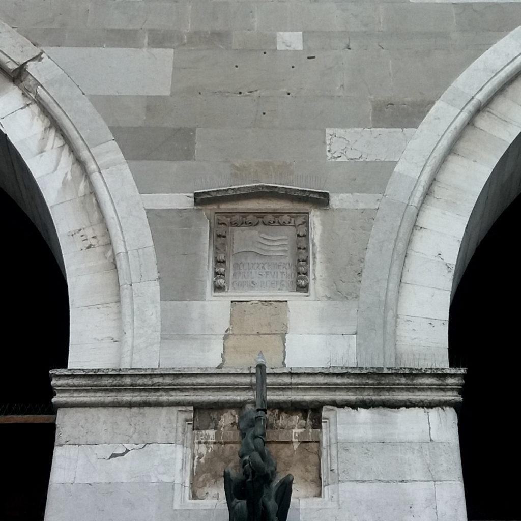 Piacenza, data su Palazzo Gotico | Ph. Archivio Comune di Piacenza