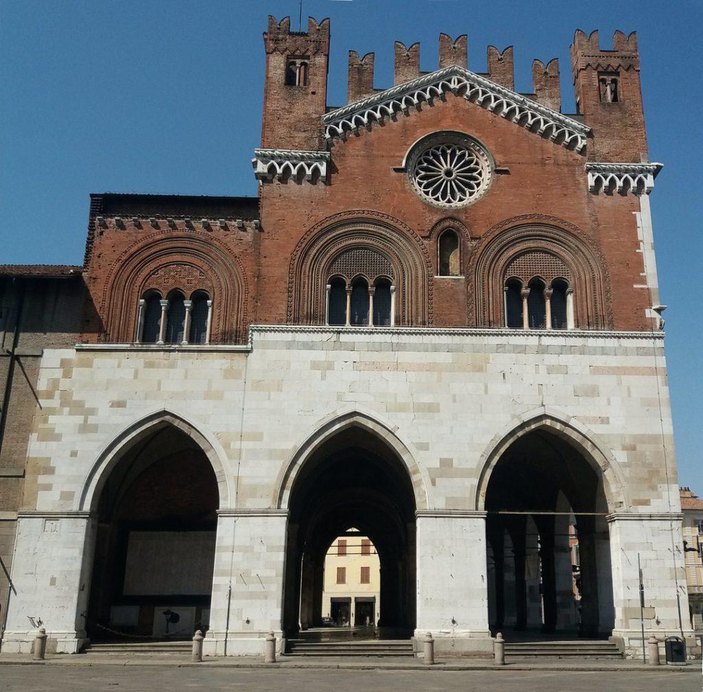 Piacenza, lato est di Palazzo Gotico | Ph. Archivio Comune di Piacenza