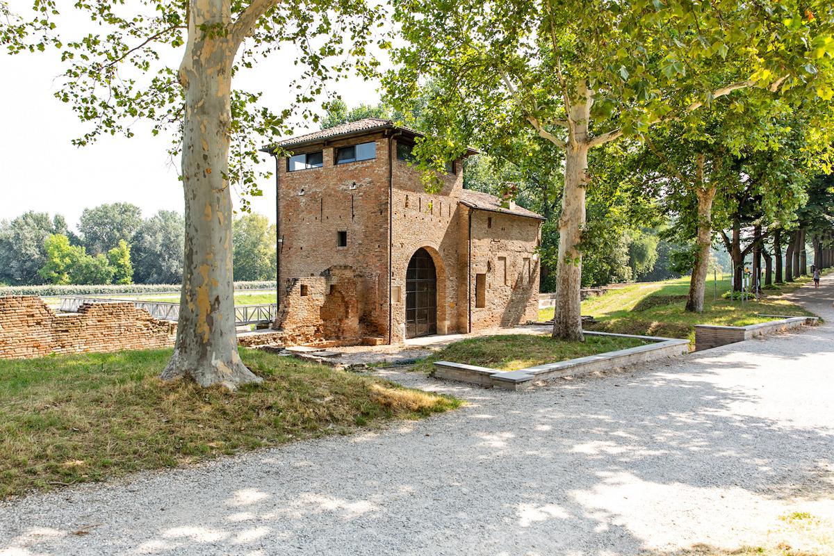 Porta degli Angeli (Ferrara)