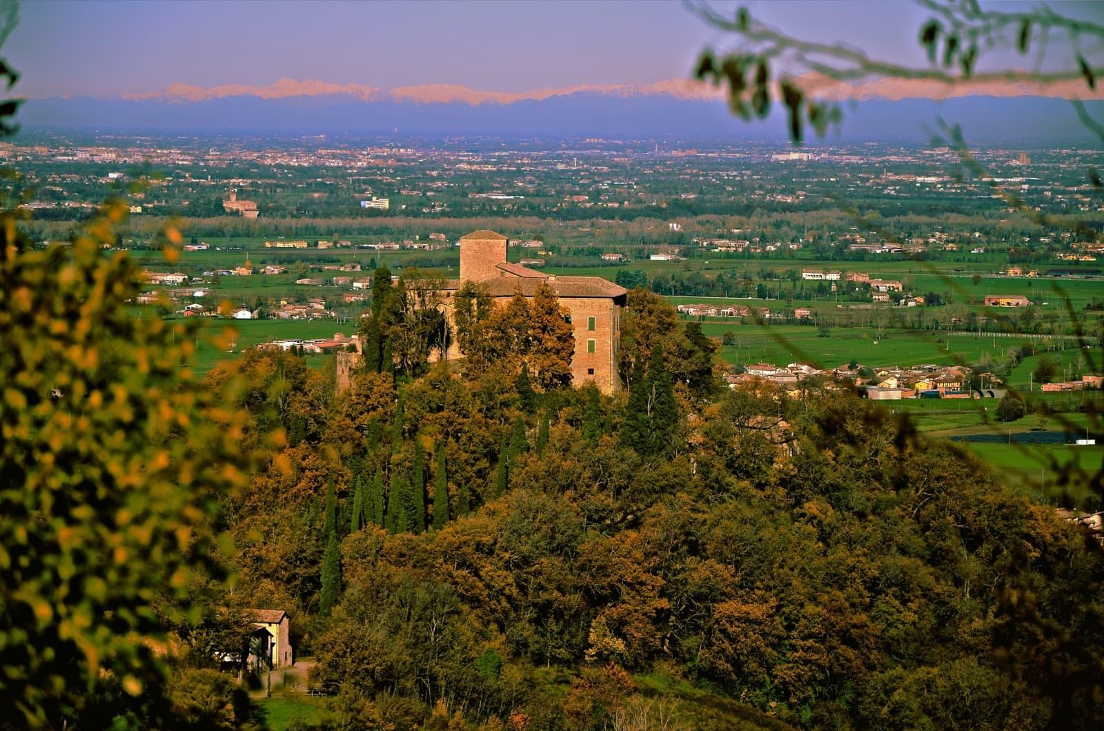 Castle of Bianello | Ph. Caba2011
