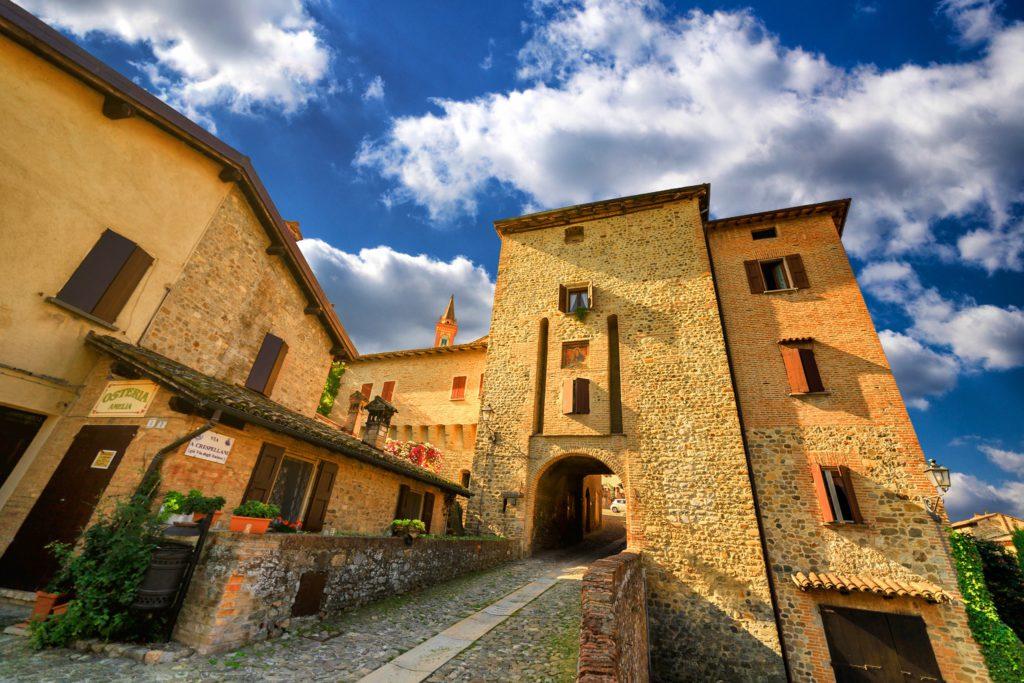 Borgo di Savignano sul Panaro via TerrediCastelli