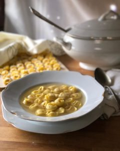 History and recipe of the Tortellino, king of Christmas (and beyond)