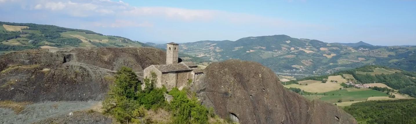 TripInYourShoes: a piedi da Genova a Piacenza   Il video