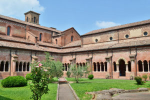 L'abbazia medievale di Chiaravalle della Colomba