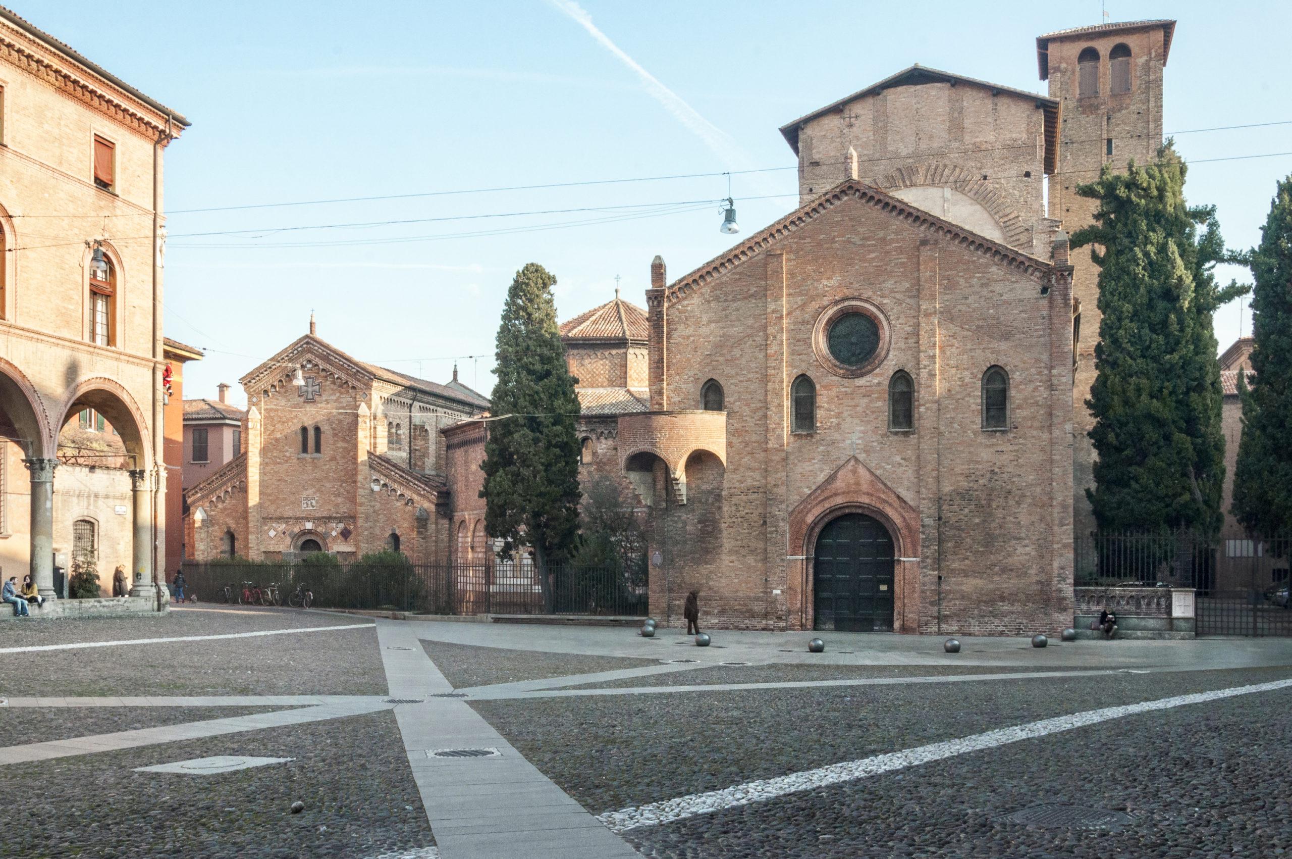 Piazza Santo Stefano, Bologna   Ph. Vanni Lazzari